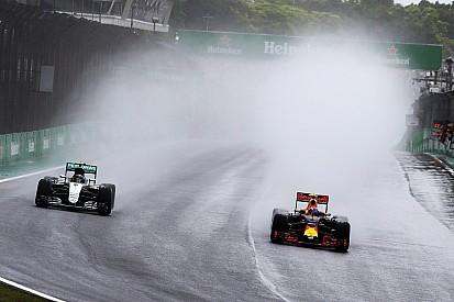 """Rosberg: """"Ik wist zeker dat bandengok Verstappen verkeerd zou uitpakken"""""""