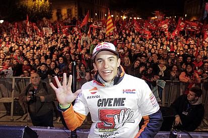 Marquez celebra el título en Cervera