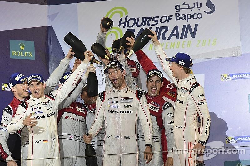 El último podio de Webber, sin champán