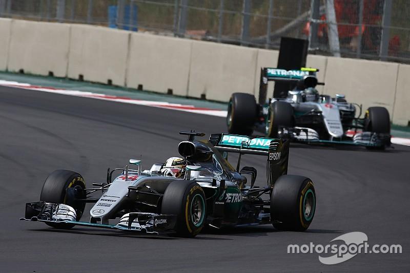"""Hamilton - Ralentir Rosberg, une tactique """"ni facile, ni sage"""""""