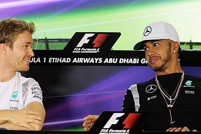 """Hamilton dice que taponar a Rosberg no sería """"fácil ni acertado"""""""