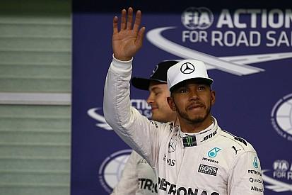 Hamilton derrota Rosberg e crava 61ª pole em Abu Dhabi