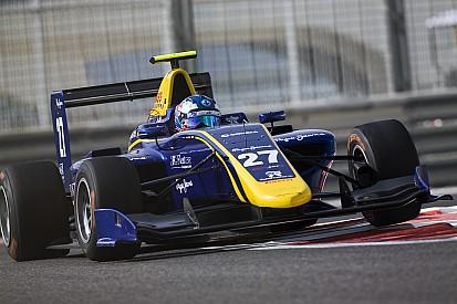 GP3 Abu Dhabi: Hughes wint knotsgekke finale