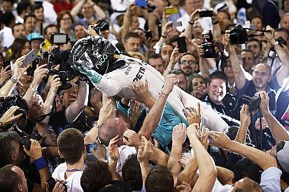 Photos - Nico Rosberg fête son premier titre de champion du monde!