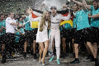 Rosberg: Hamilton'ın beni yavaşlatmasını beklemiyordum
