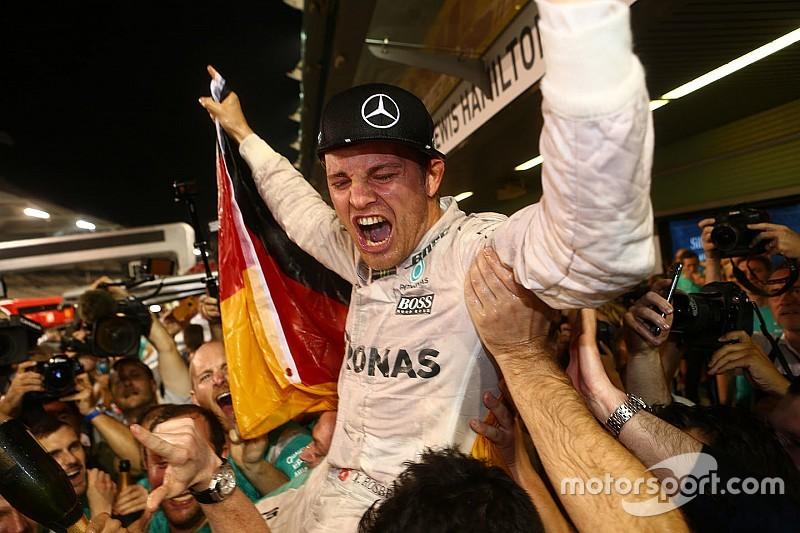 Fotogallery: la festa per il primo titolo iridato di Nico Rosberg