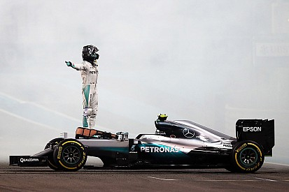 """Mercedes: Nico Rosberg ist gefahren """"wie ein großer Champion"""""""