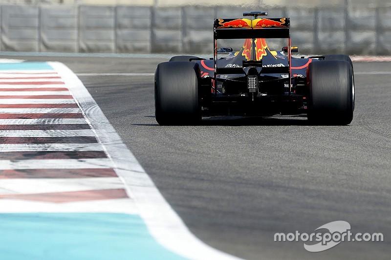Photos - Les derniers tests des pneus Pirelli 2017