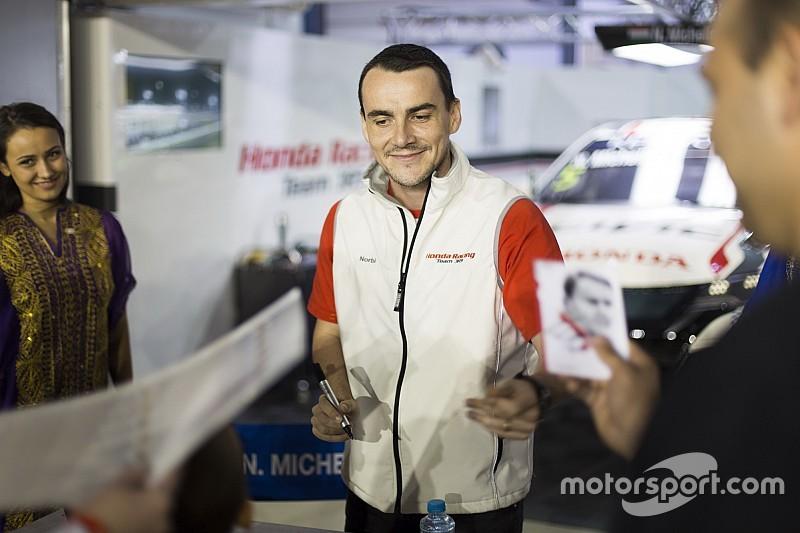 Michelisz dühében majdnem lerúgta a Honda tükrét: nagy indulatok voltak benne Muller miatt
