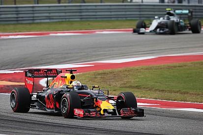 Ricciardo: Jangan remehkan Mercedes di 2017