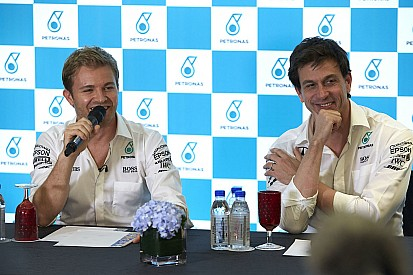 """Nico Rosberg: """"Ich konnte es Toto Wolff nicht ins Gesicht sagen"""""""