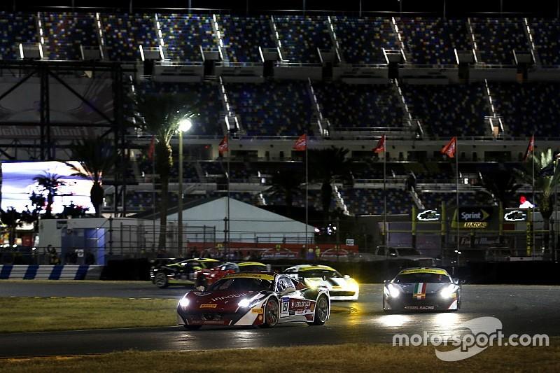 """Ferrari-Weltfinale in Daytona: Munteres Freitagsrennen der """"Coppa Shell"""""""