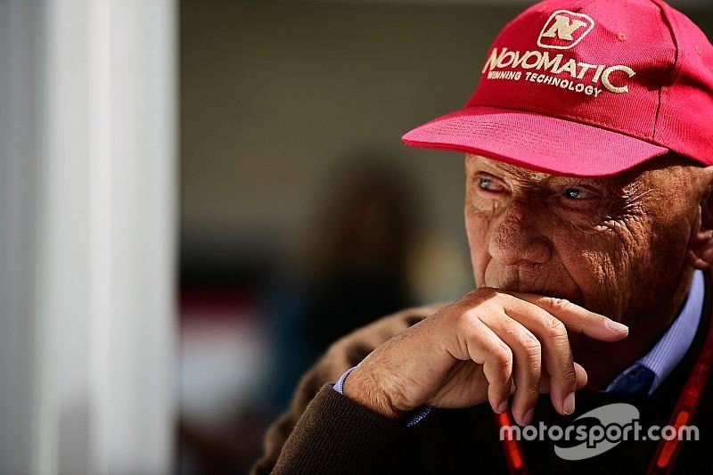 """Lauda: """"Mercedes bestraft Hamilton niet voor race Abu Dhabi"""""""