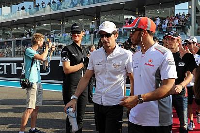 """De la Rosa: """"Alonso tiene un 50% de posibilidades de terminar en Mercedes"""""""