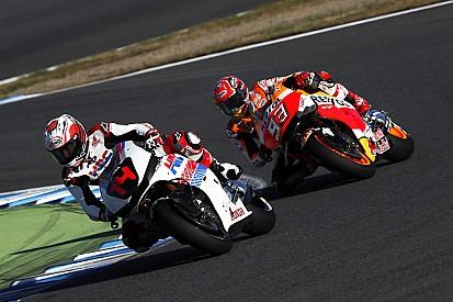 VÍDEO: Alonso anda de moto com Márquez no Japão