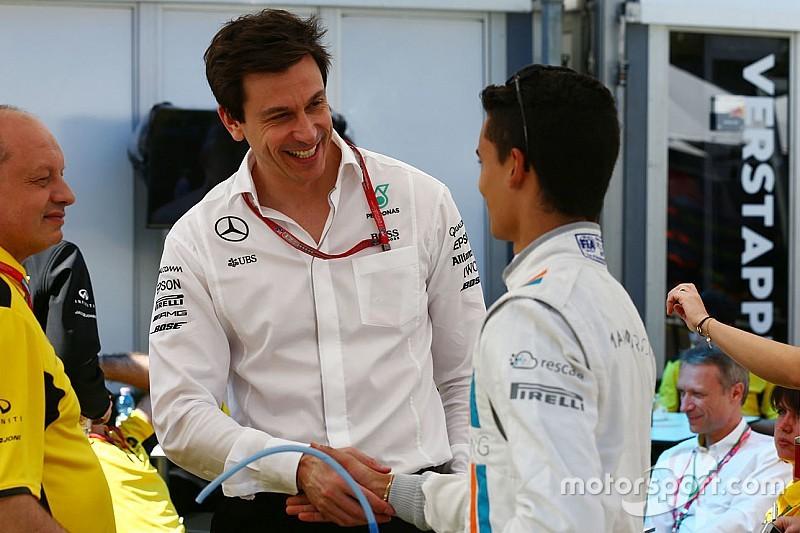 """Wolff prêt à prendre une """"décision courageuse"""" pour remplacer Rosberg"""