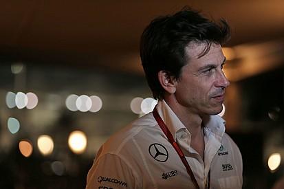 Mercedes, Hamilton'a emir verdiği için pişman olmuş