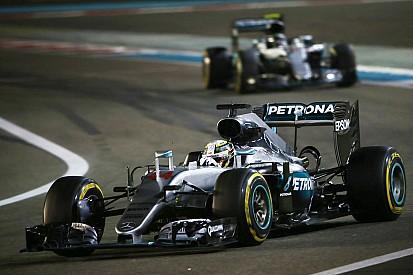 """Wolff erkent: """"Mercedes had geen teamorders moeten uitvaardigen in Abu Dhabi"""""""