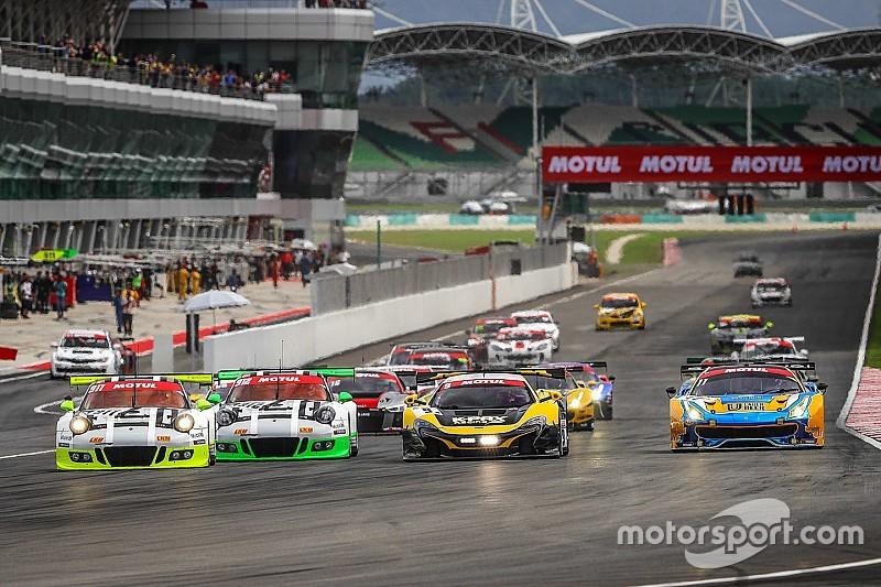 12 Ore di Sepang: le Audi di Frijns e Winkelhock al comando a metà gara