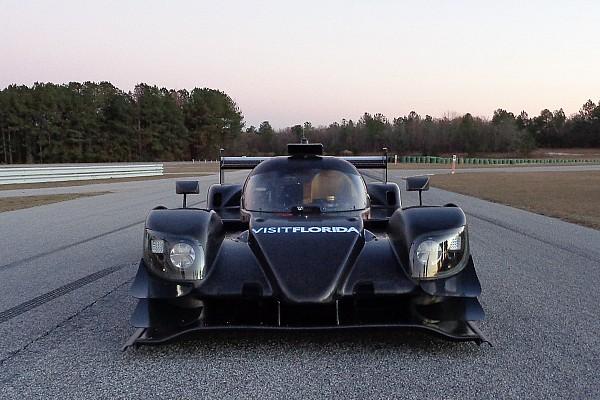 Visit Florida Racing тестує свій новий Riley-Gibson