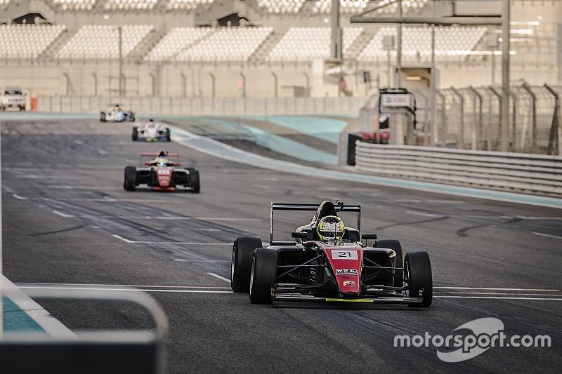 """فريق """"موتوبارك"""" يحرز الفوز بالجولة الثانية من بطولة الفورمولا 4 على حلبة ياس مارينا في أبوظبي"""