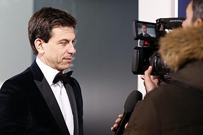"""Wolff dice: """"No soy idiota"""", ante un posible conflicto de intereses con Bottas"""