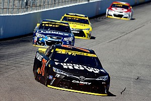 NASCAR Cup Últimas notícias Mesmo sem título, Truex Jr. recebe prêmio