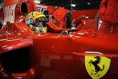 Galeri: Valentino Rossi tes mobil Ferrari Formula 1