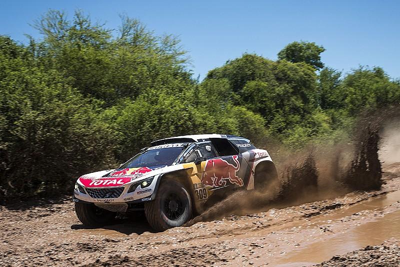 Autos: Ataque de Loeb por la cima del Dakar