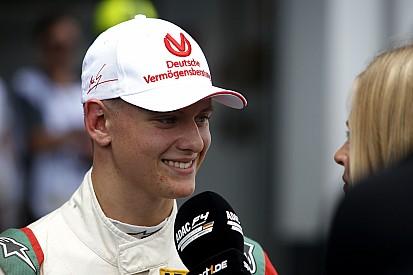 Ecclestone quer filho de Schumacher na F1 em breve
