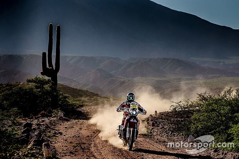 Reli Dakar Stage 4: Barreda tetap memimpin, Price kecelakaan