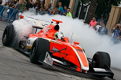 Alfonso Celis Jr rempile en Formule V8 3.5 pour 2017