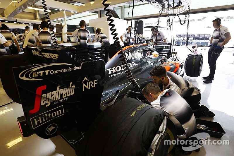 Honda cambia su motor buscando un paso adelante de McLaren en 2017