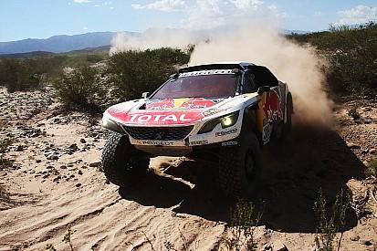 Loeb con problemas de motor que lo hicieron perder tiempo