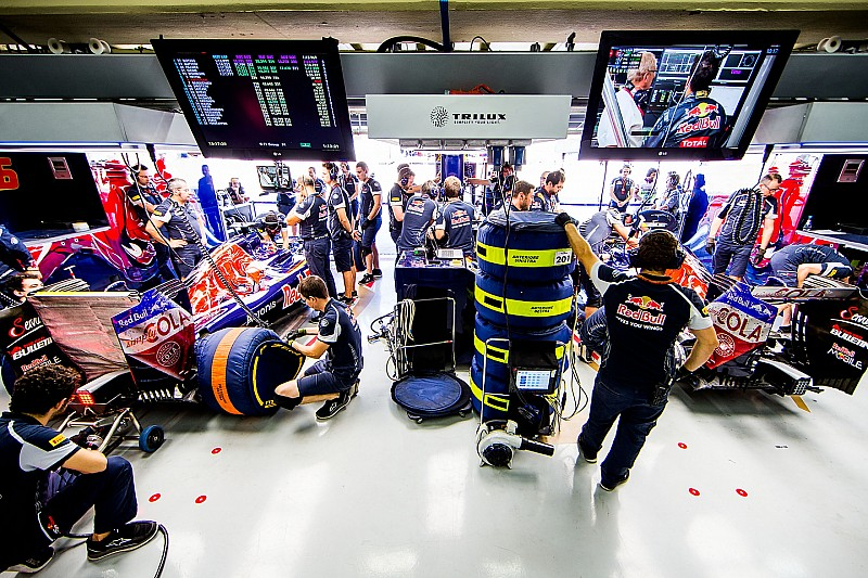 В Toro Rosso перейдут на круглосуточную работу за месяц до тестов