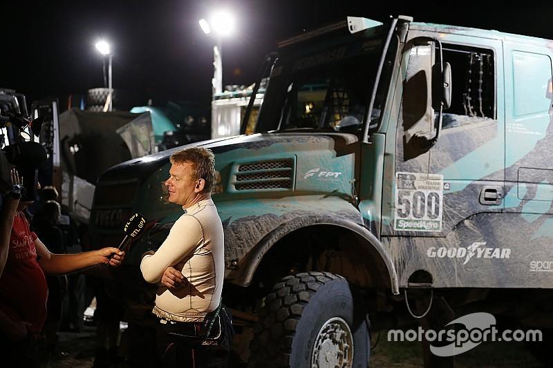 El camión de De Rooy pesaba 300 kilos más por el barro
