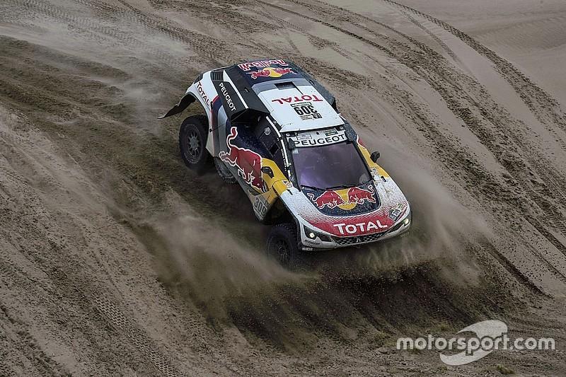 Loeb domina la octava etapa y ya lidera el Dakar; Roma pierde tiempo