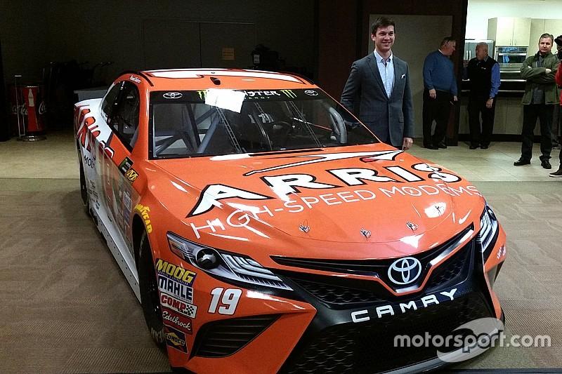 Daniel Suárez oficializa su llegada a la máxima división de NASCAR