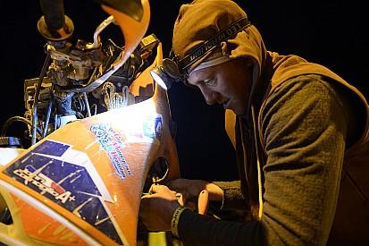 Dakar: una notte da brividi per gli uomini dei team assistenza