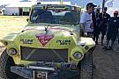 Un coche de los 60s que acaricia la meta del Dakar