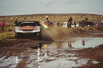 Reli Dakar Stage 10: Alami tabrakan, Peterhansel tetap pimpin klasemen