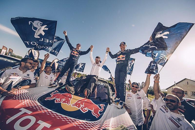 Peterhansel gana su 13° Dakar y Peugeot logra el 1-2-3