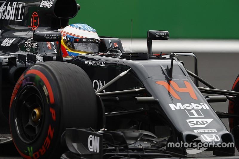 """McLaren """"aimerait garder"""" un Alonso """"très demandé"""""""