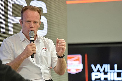 Phillips joins Foyt team as race engineer