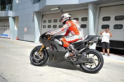 La Ducati apre le danze: ecco la Desmosedici GP a Sepang con Pirro