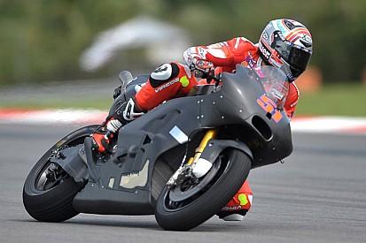 Analisi Ducati GP 17: scarico disassato e prove di raffreddamento
