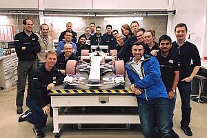 Kru tim Manor perlihatkan desain mobil F1 2017