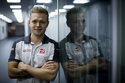 """Magnussen: """"Los autos de 2017 me ayudarán con mi mayor debilidad"""""""