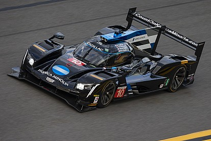 Daytona, 12° Ora: Hartley a muro e Angelelli torna al comando