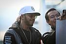 Lewis Hamilton presume nueva aventura extrema